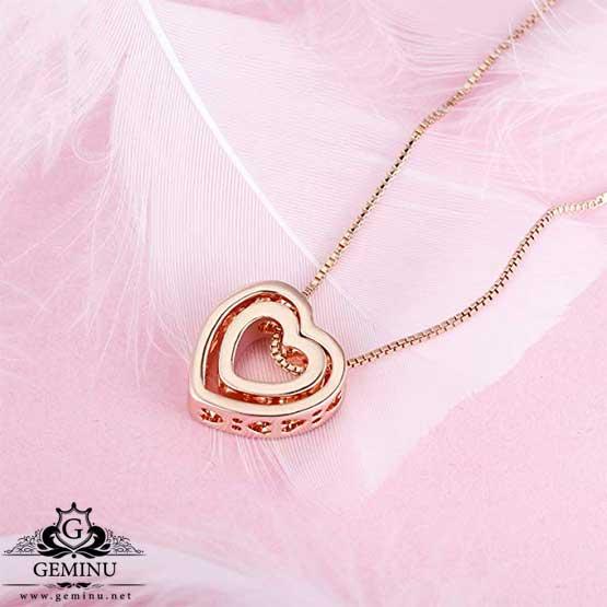 گردنبند جواهر قلب   گردنبند طلا طرح قلب   گردنبند طلا به شکل قلب   گردنبند طلا ظریف قلب   گردنبند طلا با پلاک قلب   گردنبند طلا قلب دو تیکه